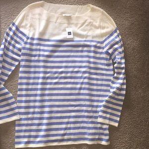 GAP lightweight sweater NWT